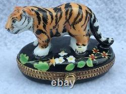 LIMOGES FRANCE Tiger Hinged Trinket Box Hand-painted Peint Main Mint