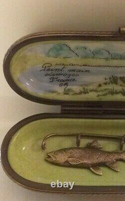 Peint Main Limoges Trinket Box, Fishing Rod & Painted Case Eximious Edition