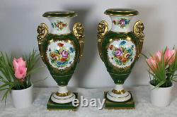 Antique Française Vieux Paris Porcelaine Caryatid Figurine Vases De Peinture À La Main Floral
