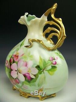Belle Fleur Roses Peint À La Main 8.5 Aiguière Pitcher Vase Poignée D'or