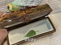 Boîte De Collection En Porcelaine De Limoges. Cigale. 2.5x1.5x1 Ltd Ed Vintage. Peint À La Main