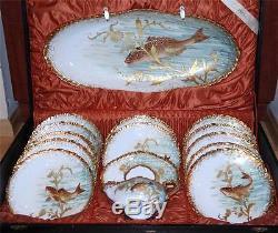 Ensemble De Poissons En Porcelaine Doré Surélevé Et Peint À La Main, Limoges, France Antique