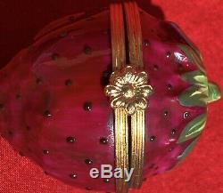 Limoges Framboise Porcelaine Peinte À La Main Boîte Signée Par Trinket Tiffany 2