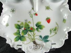 Limoges Strawberry Server, 10-3 / 4, Ensemble, Plateau, Porcelaine, France, Peint À La Main