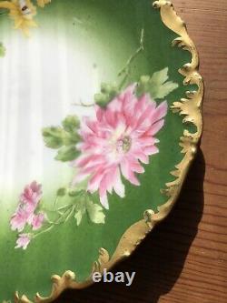 Limoges T&v Deux Assiettes Vertes Peintes À La Main Chrysanthèmes Jaunes Rose Avec Or