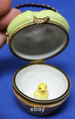 Peint Main Peint À La Main Panier De Pâques Avec Chick À L'intérieur Limoges Trinket Box