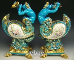 Rare Paire De Sevres Style Peint À La Main Semi Nu Surélevé Bijoux D'or Cornucopias