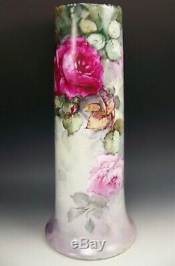 Vase Exquis De 16 Roses Peint En Bavière
